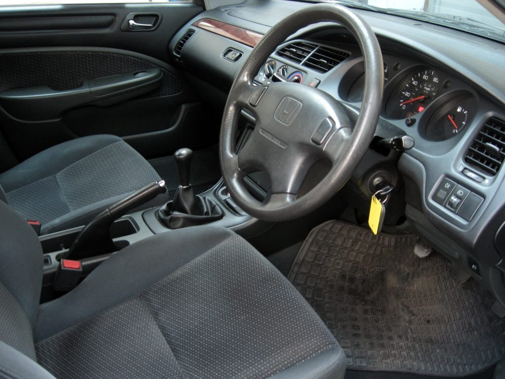 Honda Accord 1.8 VTEC S 4 door - drivers seat