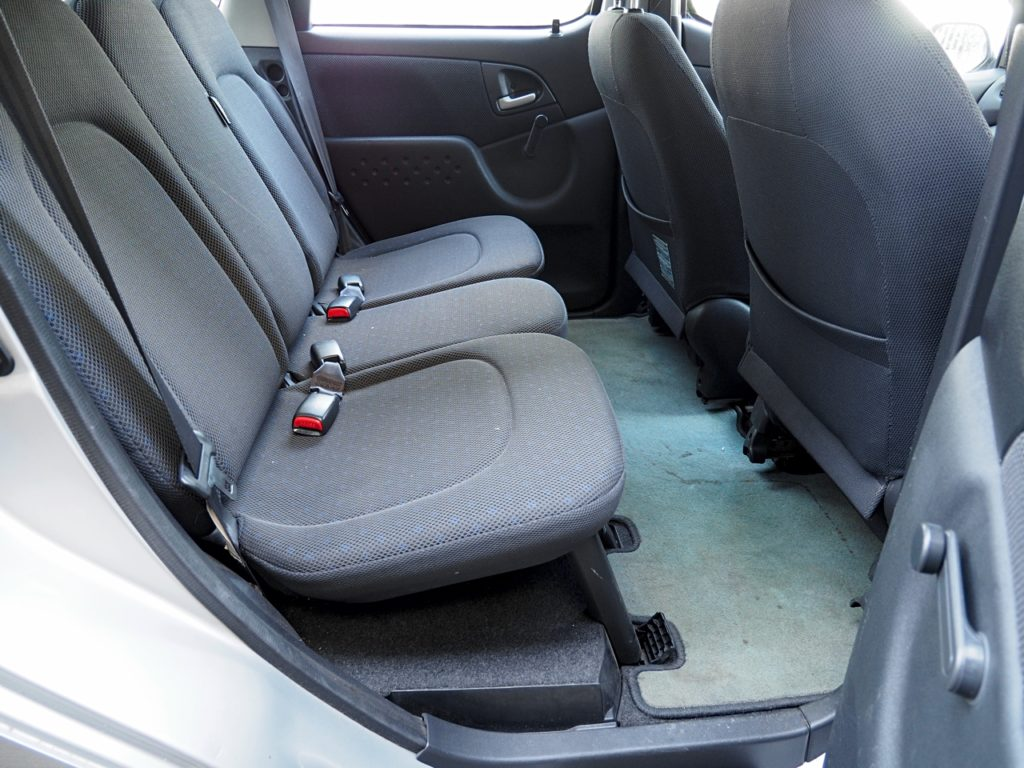 Toyota Yaris Verso Automatic - rear seats