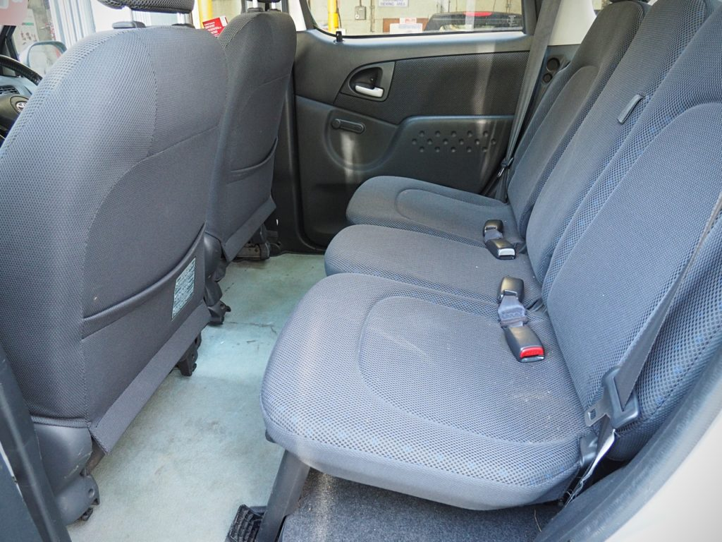 Toyota Yaris Verso Automatic - rear seat