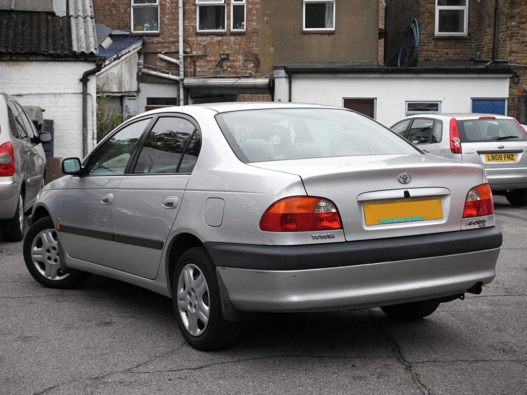 Toyota Avensis 1.8GS - rear view