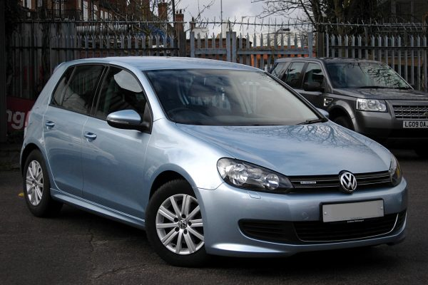 vw-golf-16-tdi-blue-motion-blue-1