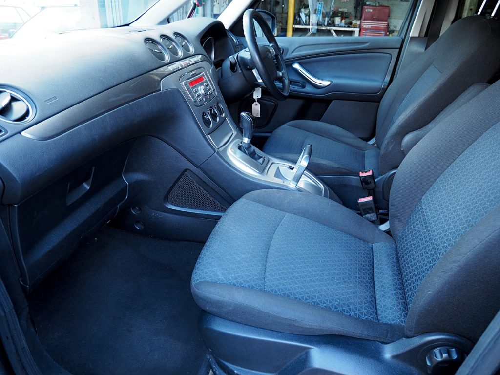 Ford Galaxy 2.0 LX Auto - front passenger seat